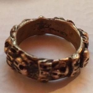 Jewelry - Bronze skull size 7